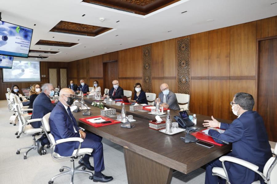 Production d'oxygène : Zeghdar rencontre les chefs de groupes parlementaires